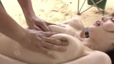 湿透的沙滩激烈4SEX角色扮演 铃村あいり【破解】05
